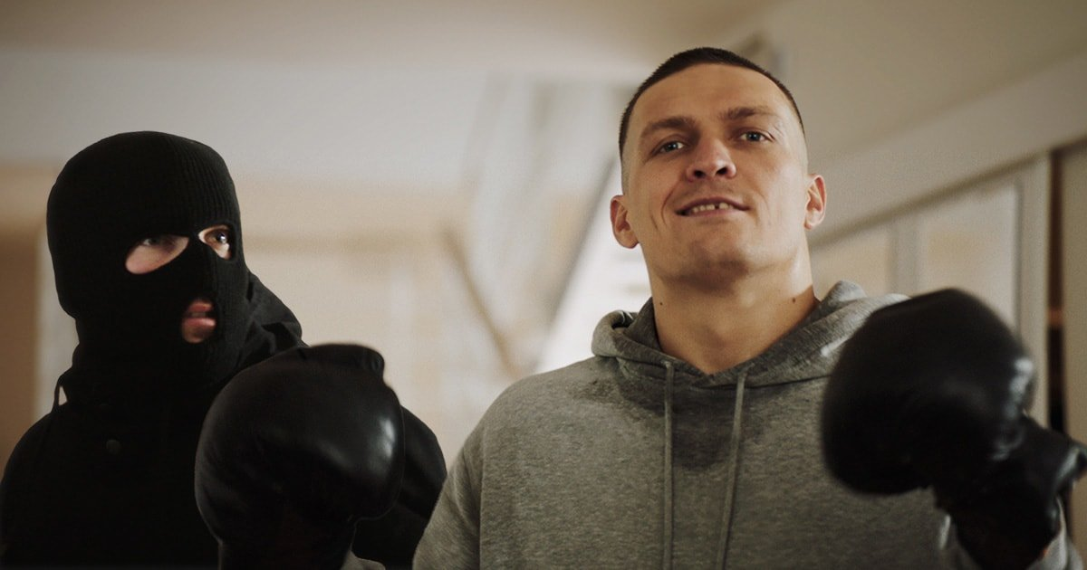 cruiserweight champion Alexander Usyk fighting those small everyday troubles with the help of Ajax.
